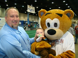 Chiro The Bear Made New Friends! image